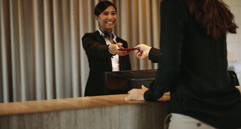 iStock 928849814 1024x549 Check in, Check out   Conheça os 5 termos mais usados na hotelaria