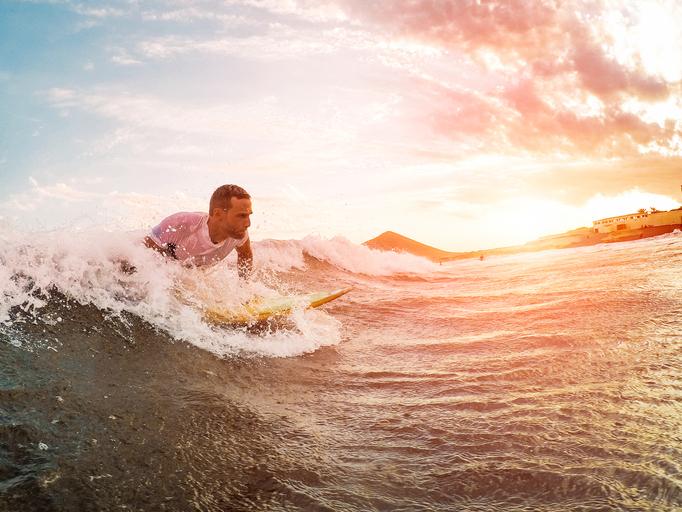 iStock 1135964776 Conheça 5 lugares brasileiros para pegar as melhores ondas