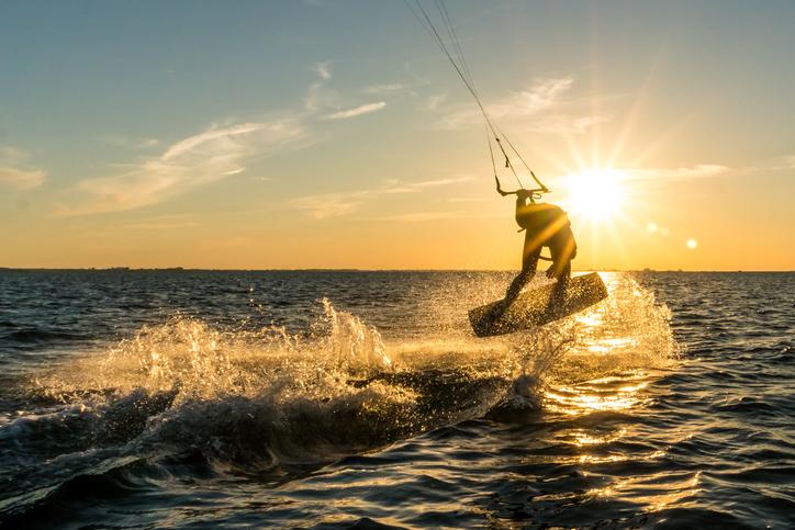 iStock 1174467012 Conheça 5 lugares brasileiros para pegar as melhores ondas