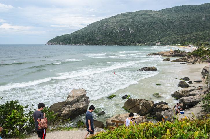 iStock 639537424 Conheça 3 trilhas em Florianópolis para viajantes aventureiros