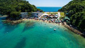 9praiasparalevarascriancasemSanta Catarina3 300x168 9 praias para levar as crianças em Santa Catarina